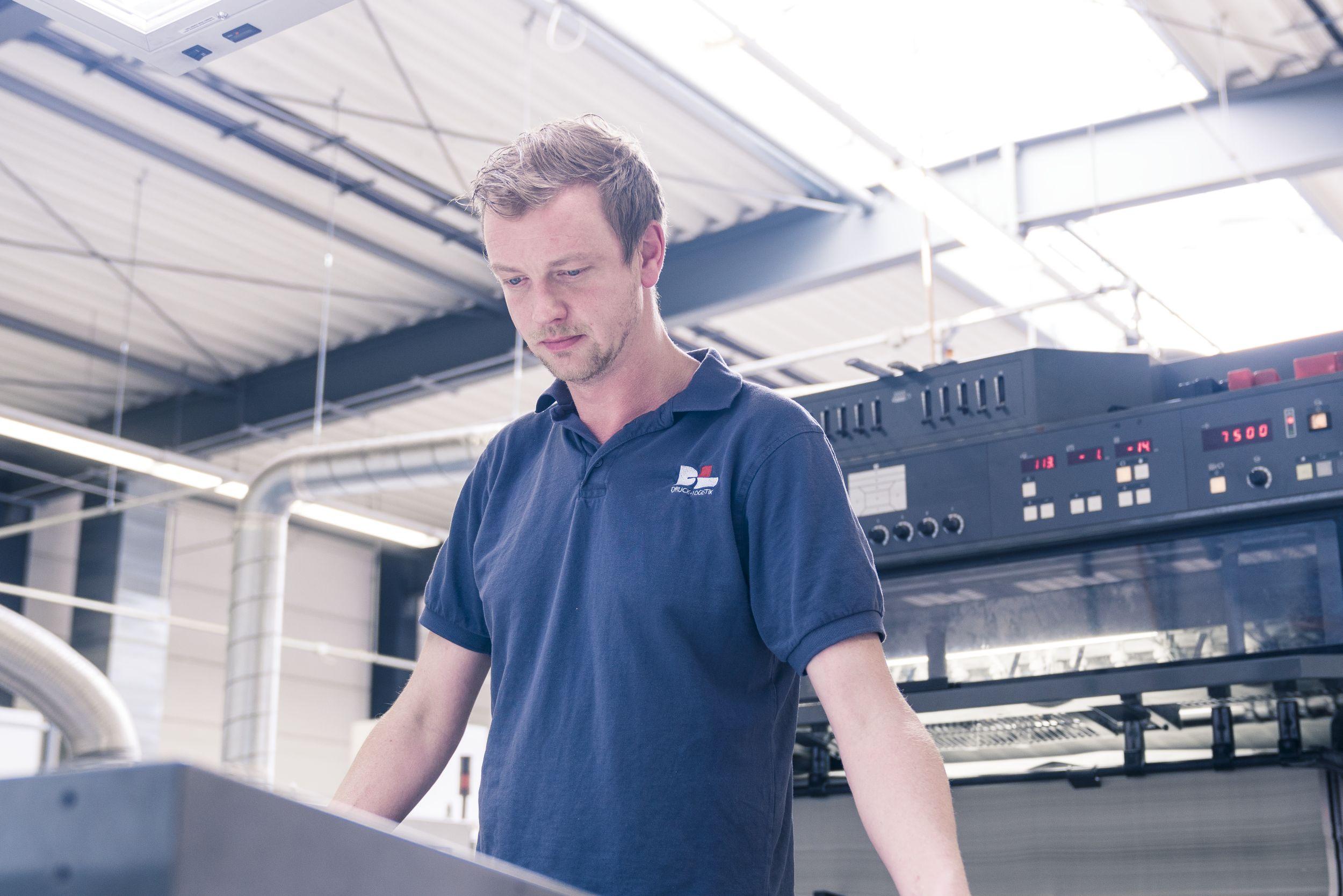 Bedienungsanleitungen drucken bei D+L Printpartner in Bocholt (NRW)
